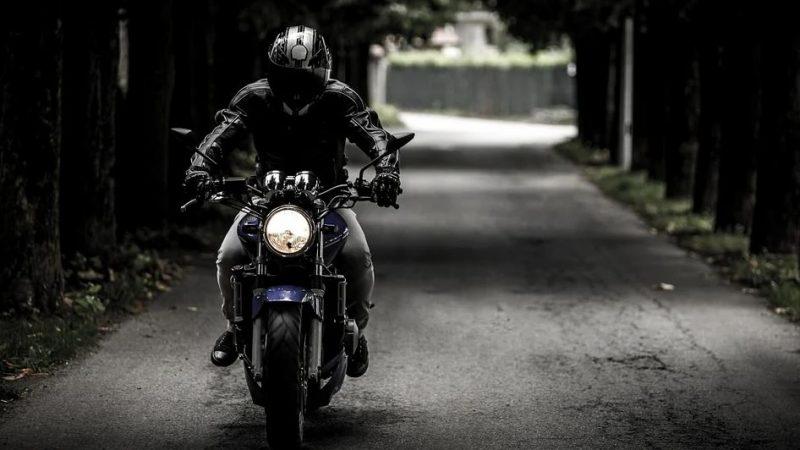 casque moto connecté