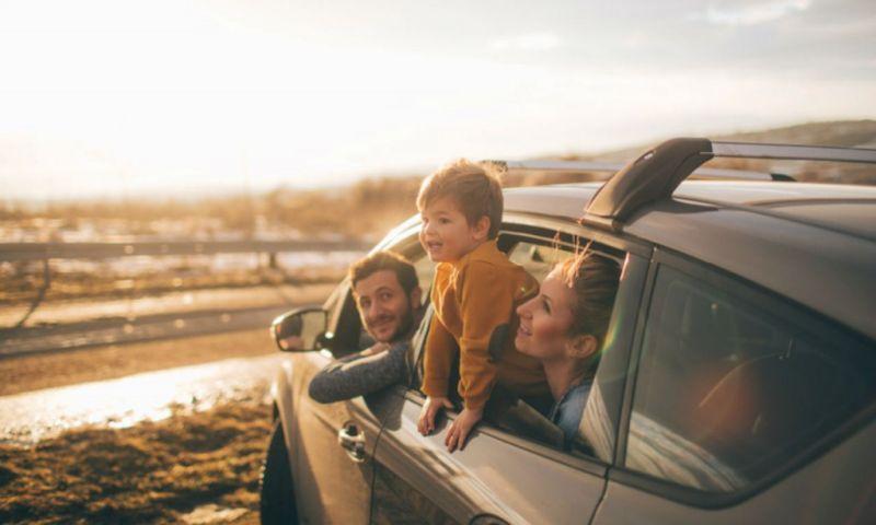 voyage d'une famille en voiture